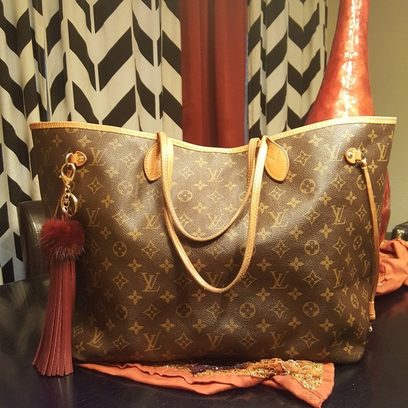 Louis Vuitton Handbags - 🦋 Louis Vuitton Monogram Neverfull GM